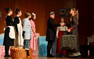 Z vzhodnim vetrom je prispela Mary Poppins